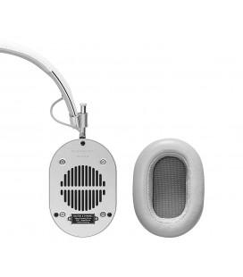 MH40 Over-Ear Headphones White